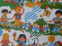 kinderen in de tuin met hond