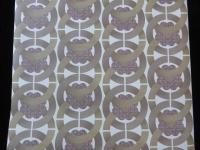 bruine cirkels met paarse bloem geometrisch behangpapier