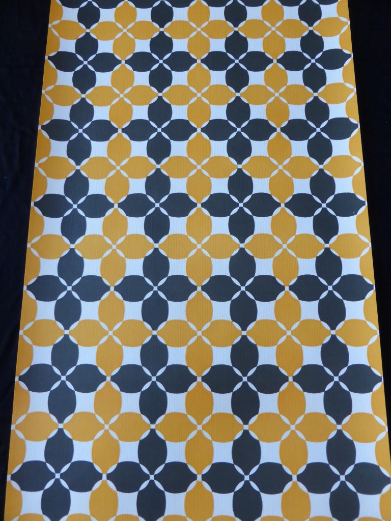 papier peint g ometrique noir orange funkywalls d webshop voor vintage en modern behang. Black Bedroom Furniture Sets. Home Design Ideas