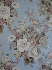 Vintage bloemenbehang met beige en roze bloemen