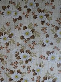 Vintage bloemenbehang met witte margrieten