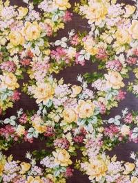 Papier peint vintage avec des fleurs roses et jaunes