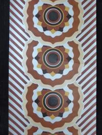 bruin zwart zilver bloemenpatroon geometrisch behangpapier