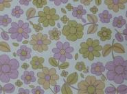 roze beige en groene bloemen